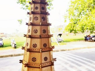 Đèn xông tinh dầu Thiên Mụ bằng gỗ