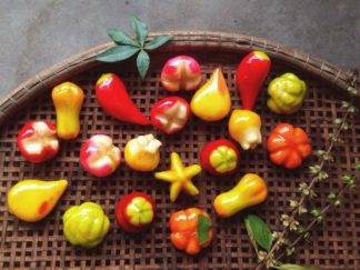 Đặc sản Huế - Bánh đậu xanh trái cây